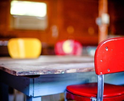 kitchen-table-349702_640