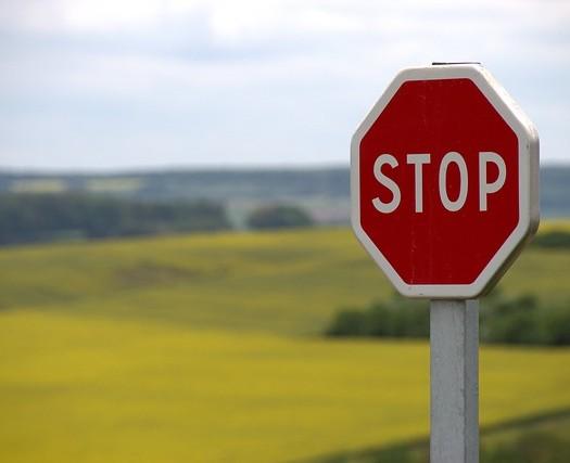 stop-634941_640